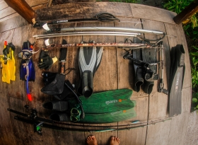 SNORKELING.SPEARFISHING EQUIPMENT